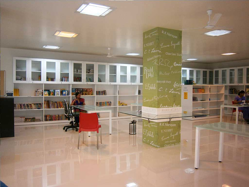 JBCN school parel Library